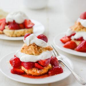 Trang trí bánh với kem whipping cream