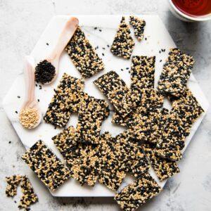 Hạt vừng đen có thể dùng chay hay mặn đều được